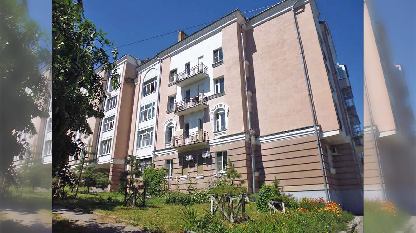4. Жилой дом на 24 квартиры в исторической части г. Пензы по ул. Гоголя, 5. 1992 г.